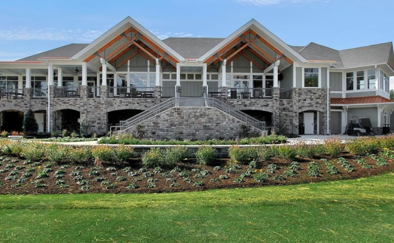 golf clubhouse exterior at Magnolia Green